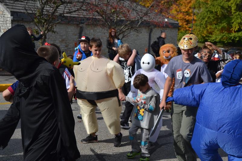 2016_10_31_HalloweenParade0076.JPG