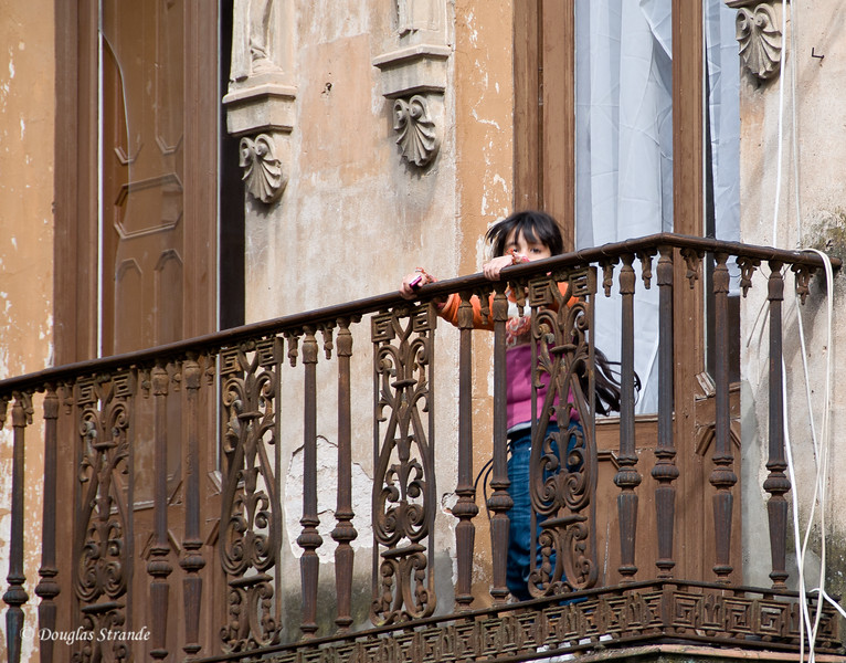 Thur 3/10 in Cordoba: Checking out the tourists