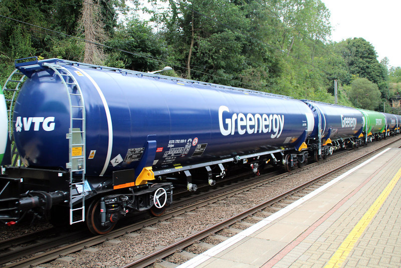New GBRF TEA 83.70.7792006-9 on 6E92 Acton Lane-Immingham passes Welwyn North 23/08/12.