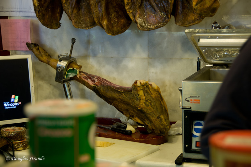 Mon 3/14 in Ronda: Ham clamped for carving