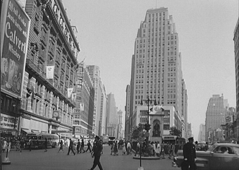 Herald Square - 9-1942.jpg