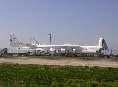 Antonov big heavy lifter