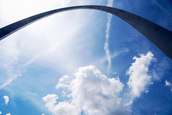 USA, MO - Gateway Arch, St. Louis