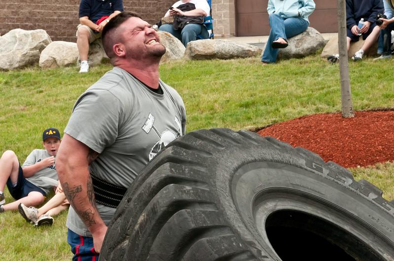 Fitness Revolution Strongman Challenge 2011_ERF4158.jpg