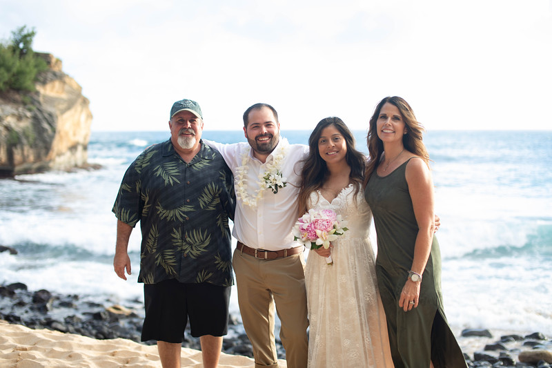 kauai wedding on shipwrecks-45.jpg