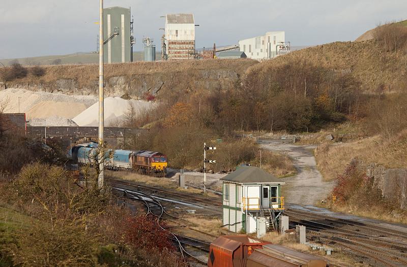 EWS 66150 pulling loads in Peak Dale.
