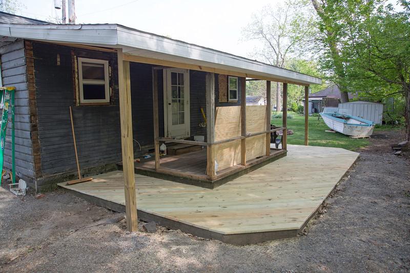 Ringtail Inn Porch Revovation-102.jpg