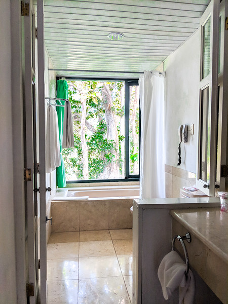 Las Terrazas hotel moka bathroom.jpg