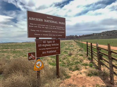 Tower Arch Jeep Safari Trail in the Arches National Park (2019-04-15)