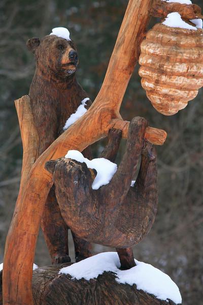 bear sculpture on hwy 321.jpg