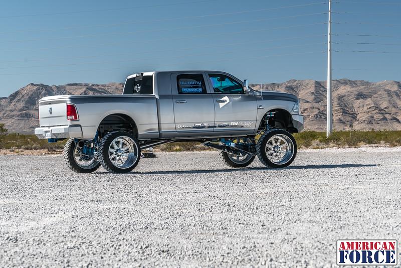Ridin'-High-Silver-Dodge-Ram-161105-DSC02729-6.jpg