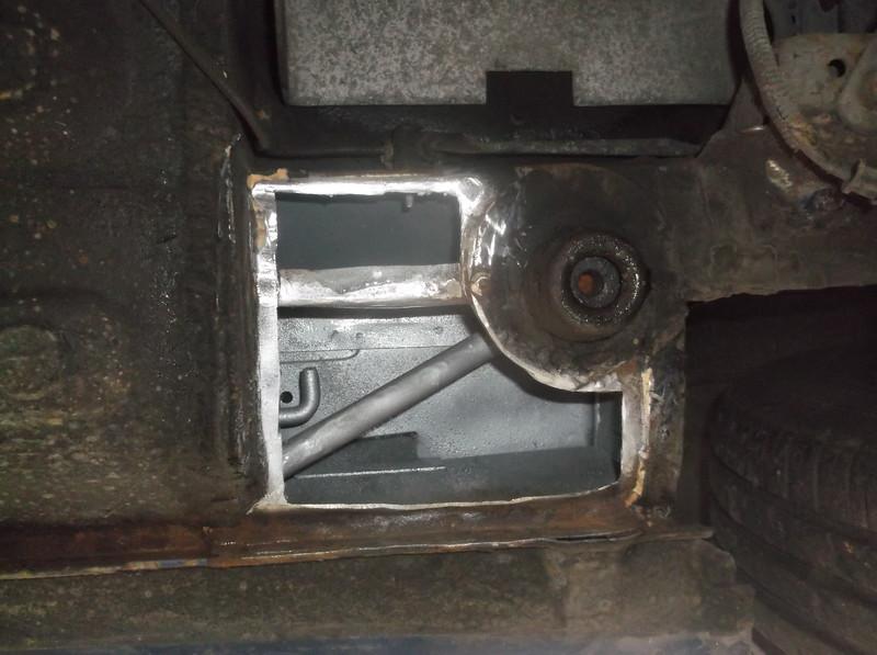 RH O/S Rear jacking point/ sill seam repair