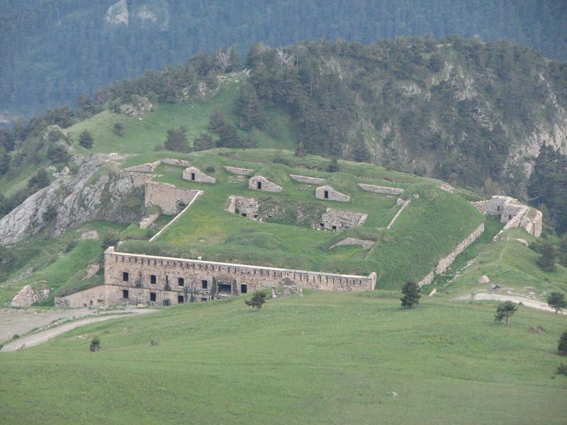 Fort de la Marguerie gezien na een uitputtende wandeling naar Fort Giaure
