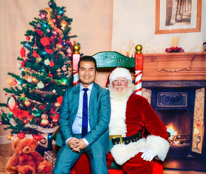 Santa Elmore 2016-12139.jpg