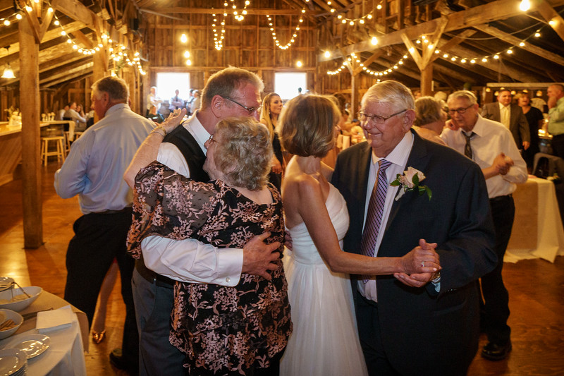 20190601-190929_[Deb and Steve - the reception]_0503.jpg