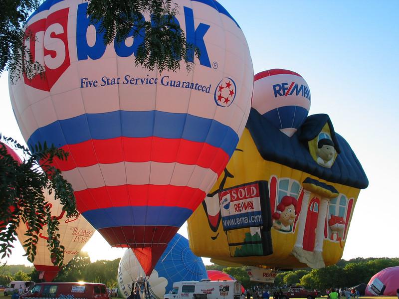 US Bank & Remax Balloons