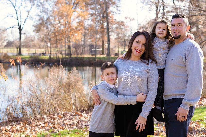 Brenda-Family-Christmas (37 of 46).jpg