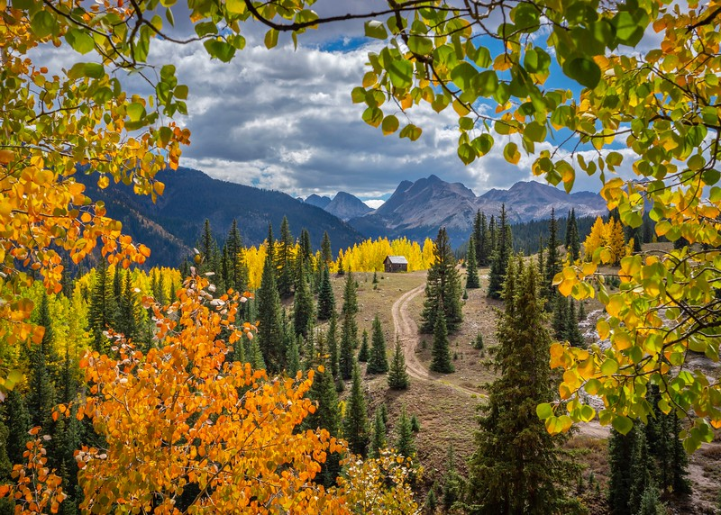 Molas_Lake_Cabin_Fall_Hank_Blum_Photography.jpg