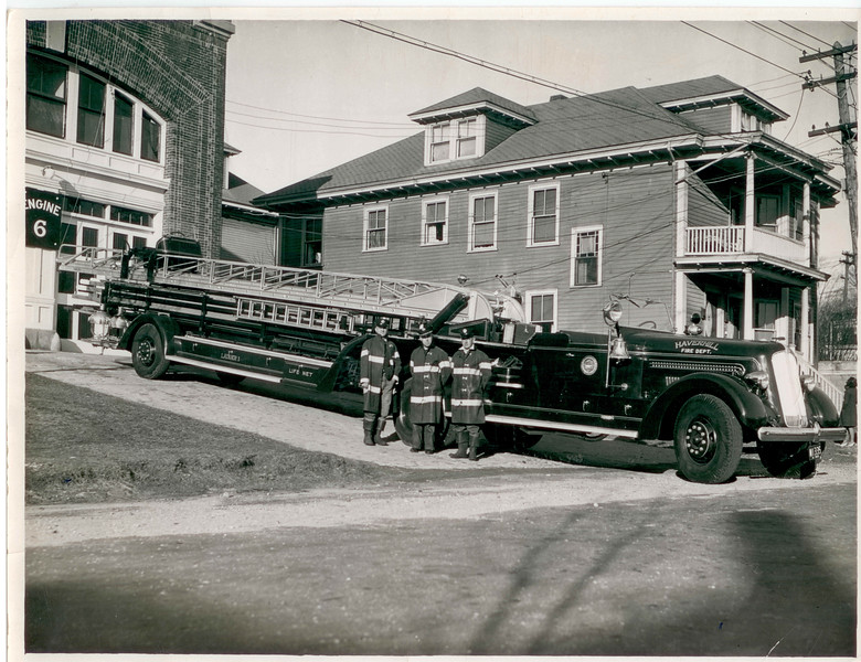 Old photo Ladder in front of 16th.jpg