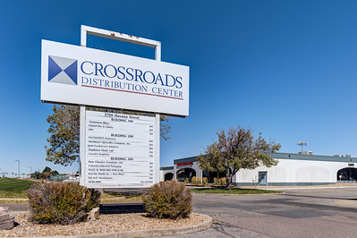 Crossroads Distribution Center \ 3700 Havana St