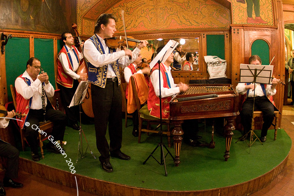 The band at the Matyas Pince restaurant