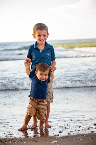 Family beach photos-145.jpg