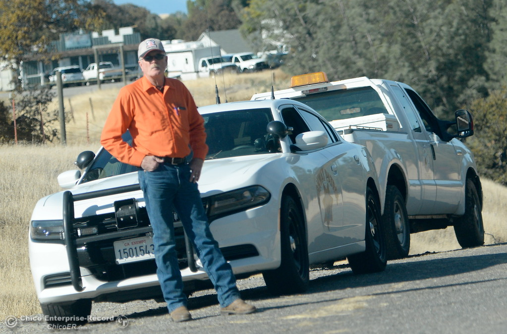 . Emergency services personel are seen along Rancho Tehama Road following several shootings in the Rancho Tehama community Tues. Nov. 14, 2017.  (Bill Husa -- Enterprise-Record)