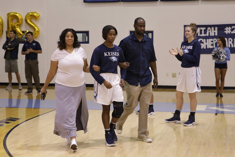 Keiser Senior Jamilla Banks Wall with parents