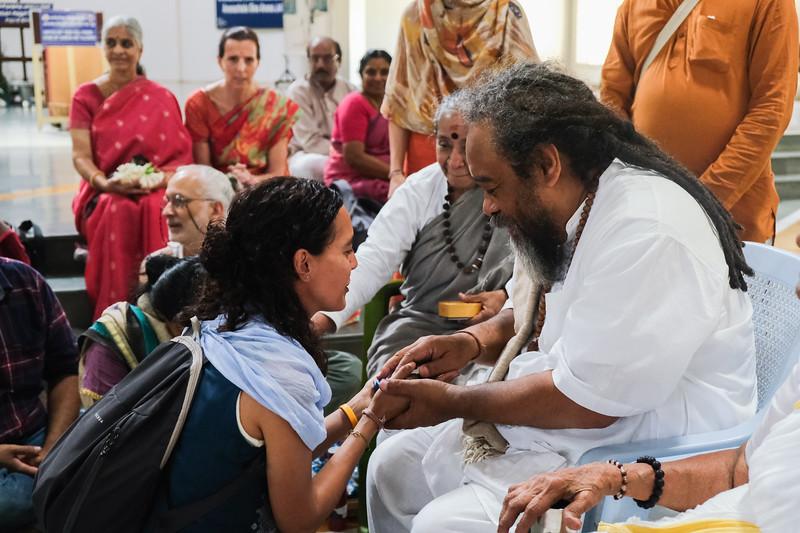 20200129_EV_IN_TIRU_YogiRamSuratKumarAshram_VisitingMaDevaki_Darshan_Lakshmi_084.jpg