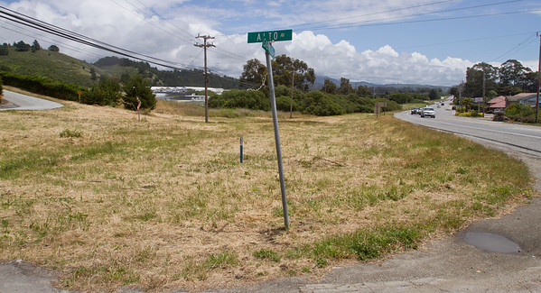 vacant land on hwy 1 in hmb