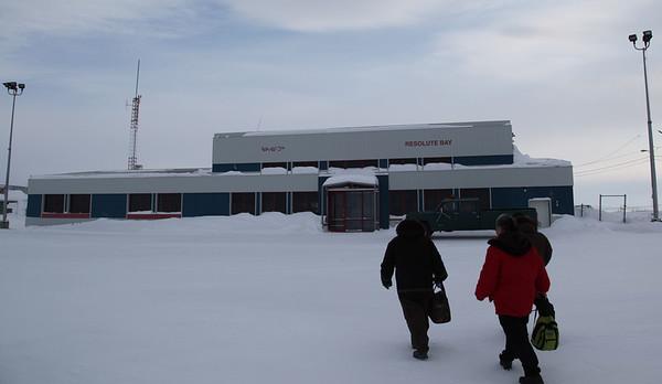 Resolute Bay 2009-04