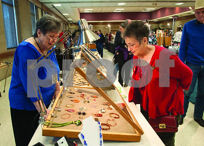 east-texas-gem-show-and-jewelry-showcase-draws-diverse-crowd