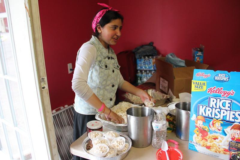 kars4kids_thezone_camp_girlsDivsion_activities_baking (87).JPG