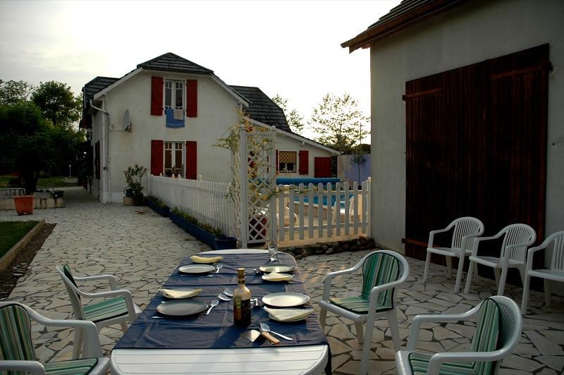 Dinner at Farmhouse - Lahon, France