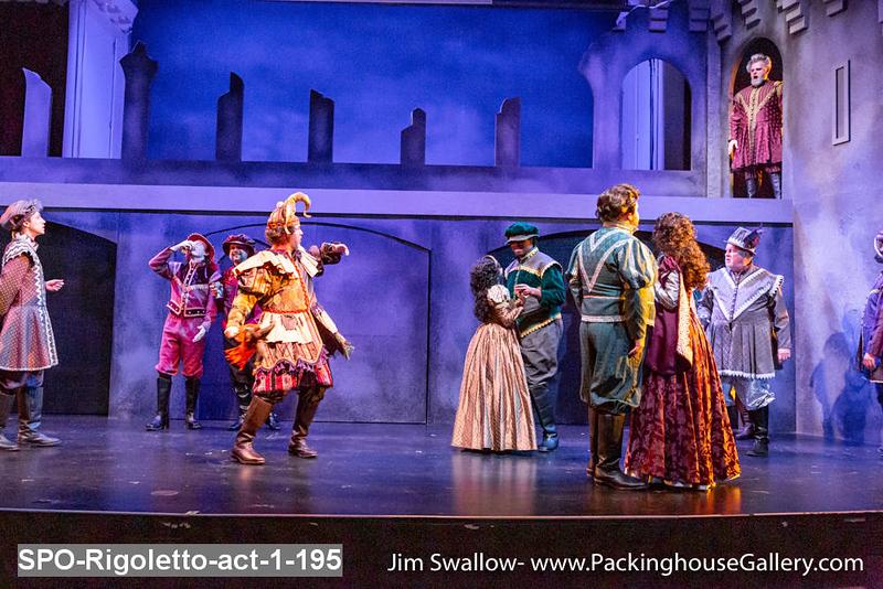 SPO-Rigoletto-act-1-195.jpg