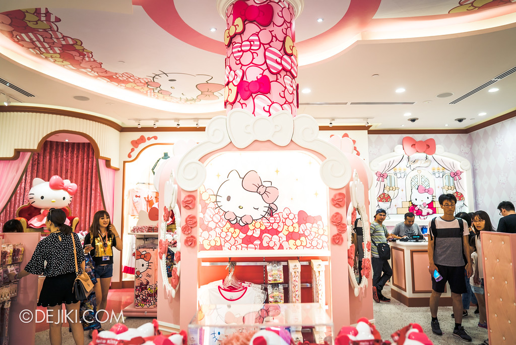 Universal Studios Singapore - Hello Kitty Studio store inside