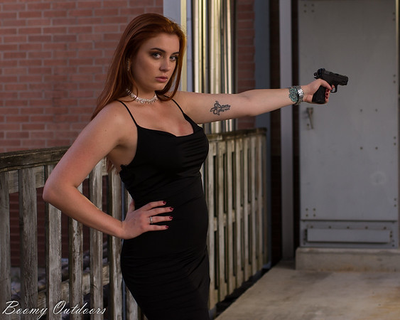 Miss Bond - Alex Cano