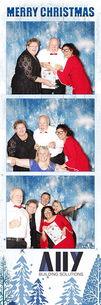 2018 ALLY CHRISTMAS PARTY BOOTH STRIPS_23.jpg