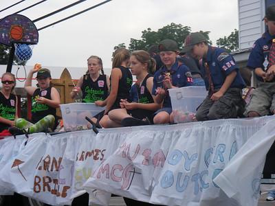 Maka Cochranton parade