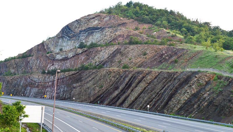 Sideling-road-cut-I68-Maryland-NorthSide1600px.jpg