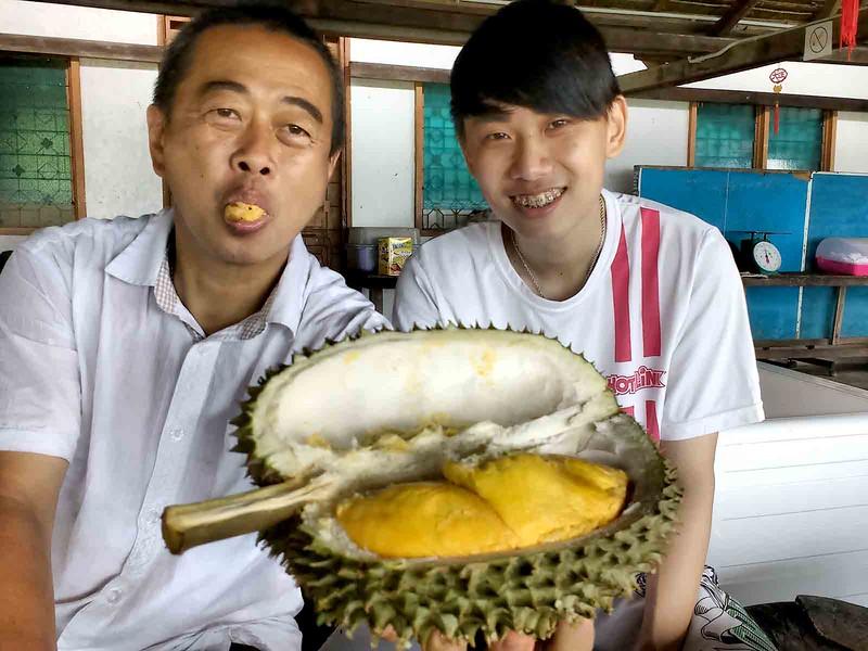 Mr.-Chang-and-Zhi-Vooi.jpg