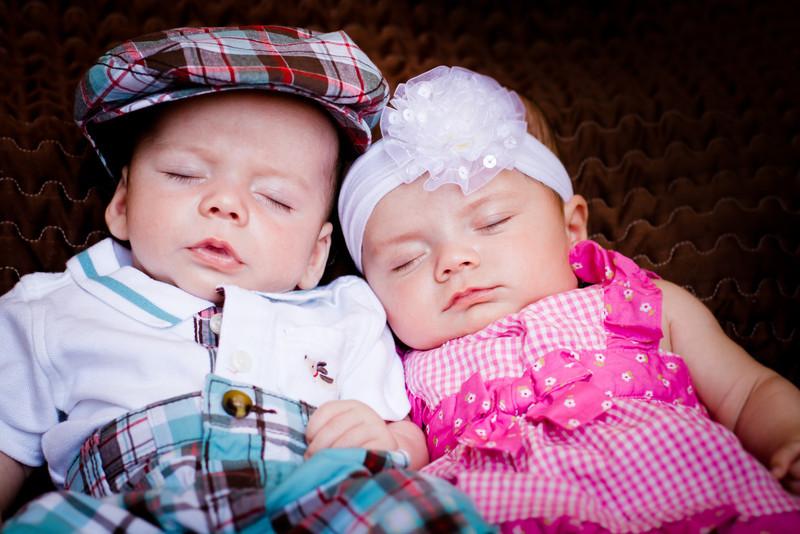 20120609 Elizabeth & Caleb Midgley - Newborn-0288.jpg