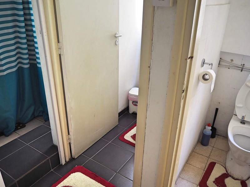 P8050050-xanthis-bathroom.jpg