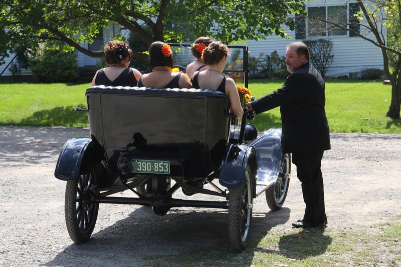 Arriving at the Wedding (7).JPG