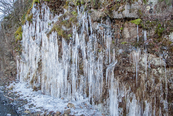 Icicle Formation At Wilbur Damn 01-20-14