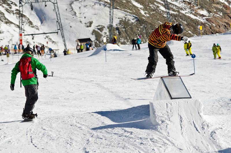 Me doing a FS boardslide. Season opening in Stubaital 11/12