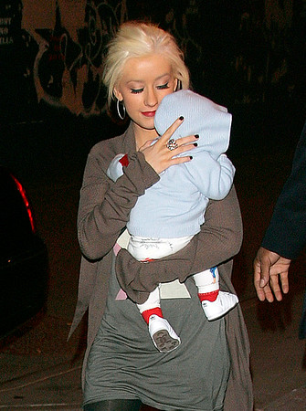 2008-05-13 - Christina Aguilera and baby, Rihanna and Chris Brown