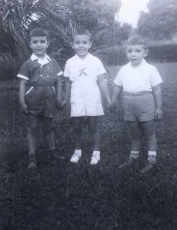 """""""Beto-Cacanda"""" (o da esquerda com fatinho vermelho e golas brancas), Nuno Medeiros e Luis Filipe Baiao"""