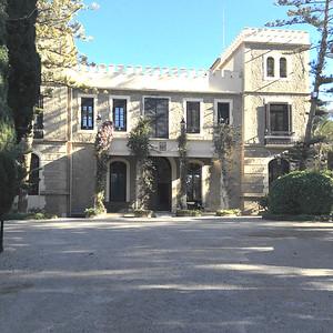 123400_FM_Historic_mansion