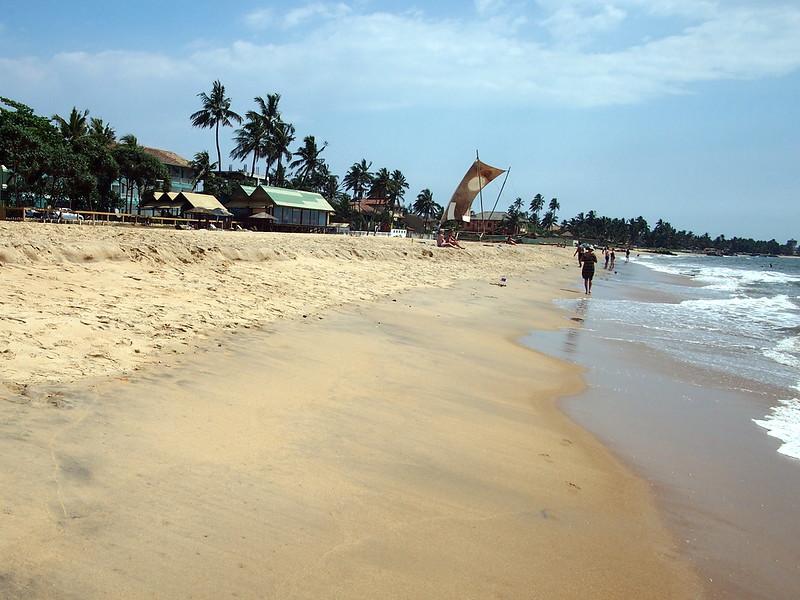 P2249293-negombo-beach.JPG